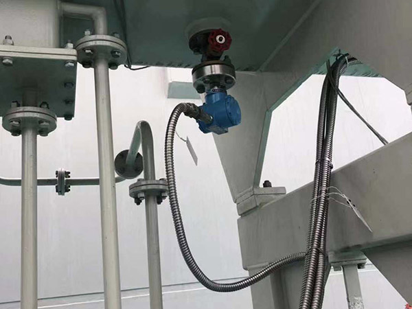 变压器压力式油位计现场安装