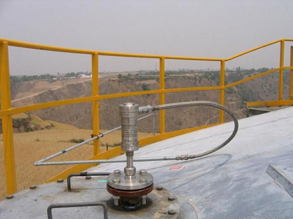 油库液位仪安装